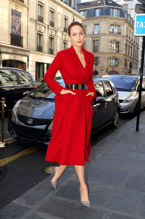 PARIS, FRANCE - SEPTEMBER 28: Actress Leelee Sobieski arrives for the Christian Dior Spring / Summer 2013 show as part of Paris Fashion Week on September 28, 2012 in Paris, France. (Photo by Marc Piasecki/WireImage)